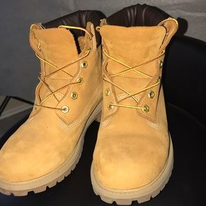 NWOT Authentic Timbs